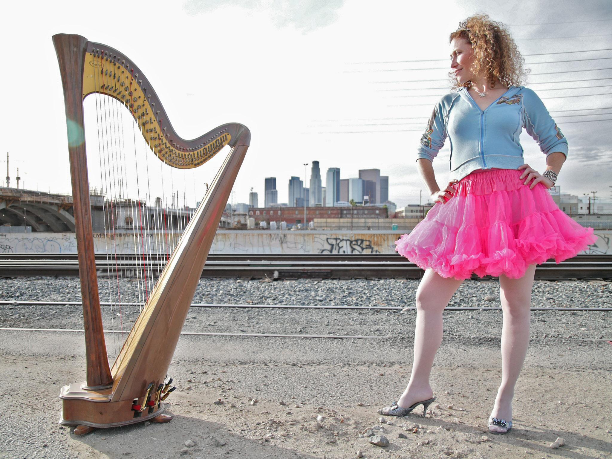 Jill Flomenhoft : Harp Diva