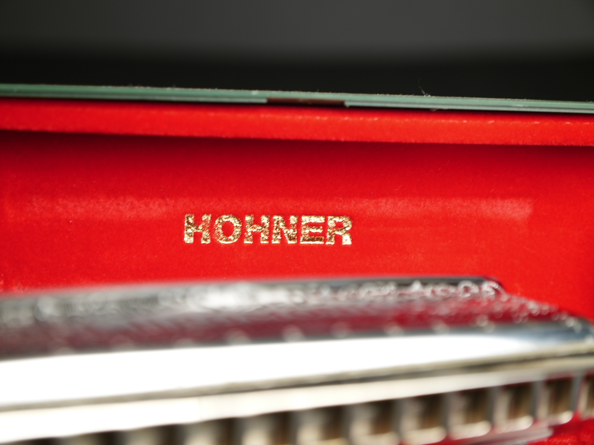 Hohner GmbH & Co. Chromonica 270